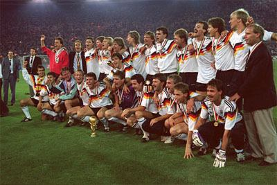 Germany football players with World Cup trophy