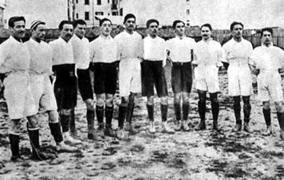 Italian football team at first match against France in 1910